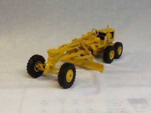 Ertl Die-Cast Caterpillar No.12 Road Grader, 1/16 Scale