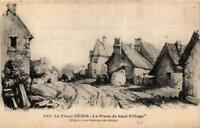 CPA Néris-les-Bains La Place du haut Village (682676)
