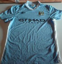 Completo calcio-Manchester city t-shirt e pantaloncini ufficiali Anno 2011-2012