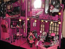 "Monster High Schloss Barbie ""Unikat""Schaurig Gruselig LED  Villa Draculaura"