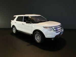 2015 Ford Explorer XLT White 1/18 Scale Kodeblake Release 1 Of 12 Made
