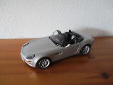 ( Go) 1:18 Maisto BMW Z8