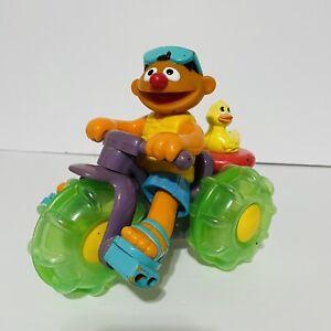 2001 Sesame Street Ernies Splashing Fun Trike Rubber Ducky Pull/Bath Toy Working