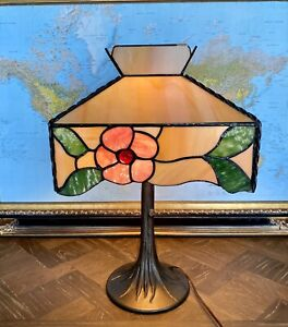 """Tiffany Style Stained Glass Camellia Lamp 20"""" Tall"""