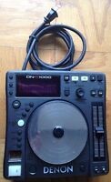 Denon DN-S1000 CD/mp3 Turntable For Parts Turns On But Display Does Not Turn On.