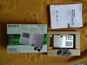 New SONY MZ-B10 Minidisc Recorder - Built in microphone - Carry pouch