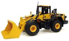 Universal Hobbies UH8001 UH Komatsu WA 470 Construction Machine 1:50 Scale Model
