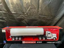 New Ray Kenworth W900 Long Hauler White Tractor & Tanker 1:43 NIB