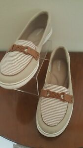 WOMENS KEDS GRASSHOPPERS CASUAL SLIP ON CANVAS BEIGE & WHITE SHOES SIZE 9