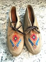 MINNETONKA VTG Moccasins Tan Leather Aztec Embroidered Detail Women's SIZE 5