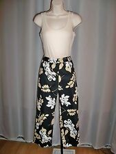 RAFAELLA BLACK FLORAL PRINT STRETCH TOO CUTE CROP PANTS 4 NWT COMFORT WITH STYLE