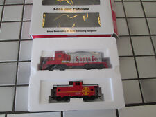 walthers Santa Fe loco and caboose powered engine set Ho scale