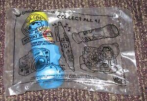 1997 Peanuts Long John Silver's Secret Agent Toy - Snoopy Flashlight Telescope