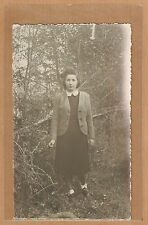 Carte Photo vintage card RPPC femme robe veste forêt mode fashion kh068