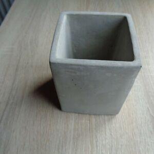Square flower/succulent plant pot. 78mm x 98mm high. Concrete natural finish.