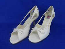 NEW Special Occasions by Saugus Shoe 49010 White Satin Size: 9B