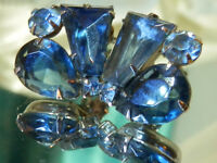 WOW Super Fab Vintage 1950's Royal Blue Rhinestone Showy Clip On Earrings 82Ap8