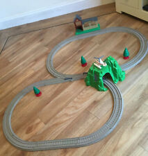 Tomy Trackmaster Thomas the tank engine train set  McColls Farm Harold Tunnel