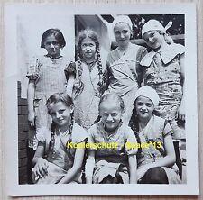 Foto BDM Mädchen mit Zöpfen Portrait, junge hübsche Mädel, DJ Jungmädchenbund