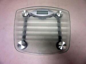 "Used Taylor Model 7507 Glass Top Bath Scale w/batteries 13""w x 11.75""L x 1.75""h"