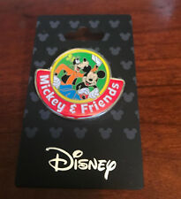 DISNEY MICKEY MOUSE AND GOOFY FRIENDS PIN COLLECTIBLE NEW TRADE