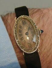 petite montre de femme or massif éclats de diamants art déco gold diamonds watch