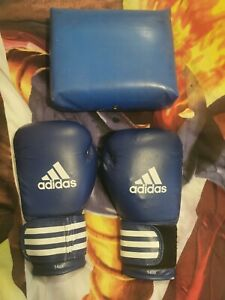 Adidas Boxing Gloves - Black - 14 oz  with boxing pad