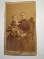 Bernburg - junge Frau mit Baby - kleines Kind / CDV