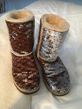 UGG AUSTRALIA WOMENS CLASSIC SHORT BOOTS SPARKLES SEQUIN CHAMPAGNE SIZE 7 NEW