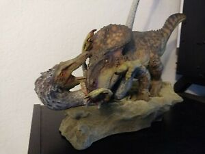 SIdeshow Dinosauria Protoceratops vs. Velociraptor Diorama
