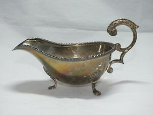 VINTAGE SILVER PLATED EPNS 3 FOOTED GRAVY BOAT  ENGLAND Shell Decorative