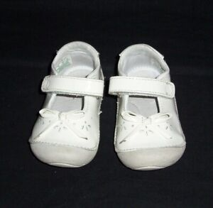 Stride Rite Toddler Girls Size 5.5 M White Patent Mary Jane Shoes