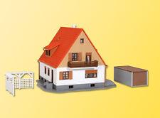 Kibri 38748 Einfamilienhaus mit Terrasse,Garage und Pergola, Bausatz, H0