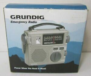 Grundig FR-200 AM/FM/SW Emergency Crank Radio World Band Receiver w/Light Works