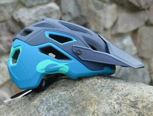 Or ` Neal Pike Lightweight Enduro/Trail/Freeride Helmet Magnetic Lock Blue