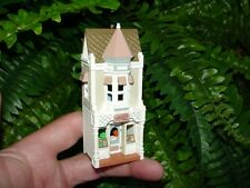 1986 CHRISTMAS CANDY SHOPPE - Hallmark ornament - 3rd Nostalgic Houses and Shops