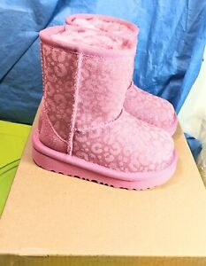 UGG toddler Classic Short II Glitter 111852T Winter Boots, Little Girl's Size 6