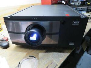 BARCO RLM-W8 WUXGA FULL HD 1920X1200 3-CHIP DLP PROJECTOR 8000 LUMENS