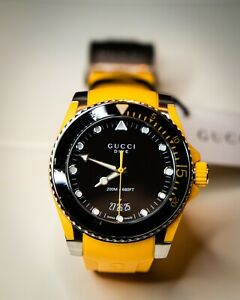 GUCCI Dive Black Dial Men's Yellow Rubber Watch YA136319