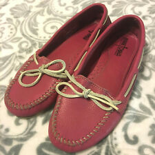 MINNETONKA MOCCASIN SHOES 10 LEATHER PINK-RED WHITE LACE TIE FLAT DRIVING HOUSE