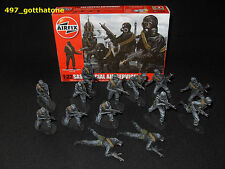 Airfix 1/32 painted SAS x 14 WW2. professionally painted. 54mm