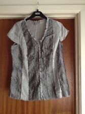 Silver Grey Short Sleeved Button Through Blouse Size 18 - Per Una by M&S NEW.
