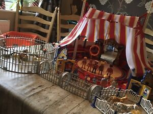 PLAYMOBIL CIRCUS PLUS ANIMAL CAGE AND LOTS OF ACCESSORIES