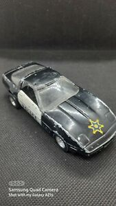 UNBRANDED POLICE SPORTS CAR WITH MISSING ROOF LIGHTS.