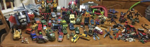 Huge Lot  Hasbro Transformers 90+ Robots And Accessories & Collectibles