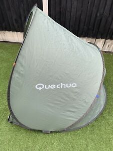 Quechua 2 Seconds Popup Beach Shelter/Camping Storage with Carry Bag - green