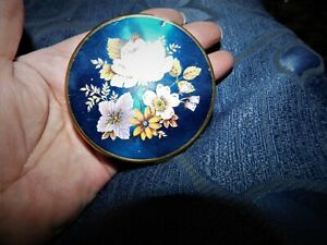 VINTAGE GOLD TONE COMPACT CASE ONLY WITH MIRROR NO PUFF OR POWDER BLUE LID