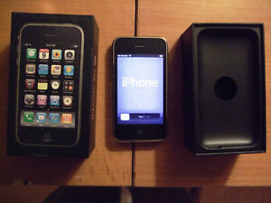 VG+++ CONDITION Apple iPhone 3GS - 16GB - Black (Unlocked) A1303 (GSM)