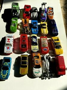 Lot Of 20 Toy Cars Most 1/64 Size Some Hot Wheels, Tonka, Buick, Advertisement