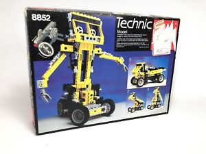 LEGO Technic Robot 8852 (1987) Pre-Owned